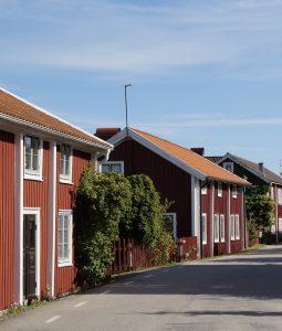 sadeltaket är en vanlig takform i Sverige