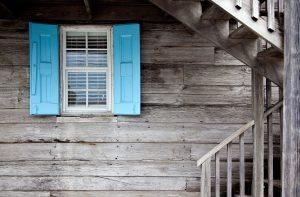 Ett snyggt fönster ger huset karaktär